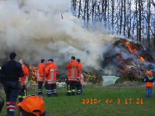 100403Osterfeuer2